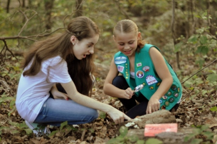 girl_scouts_conduct_plt__s_rotten_log_activity